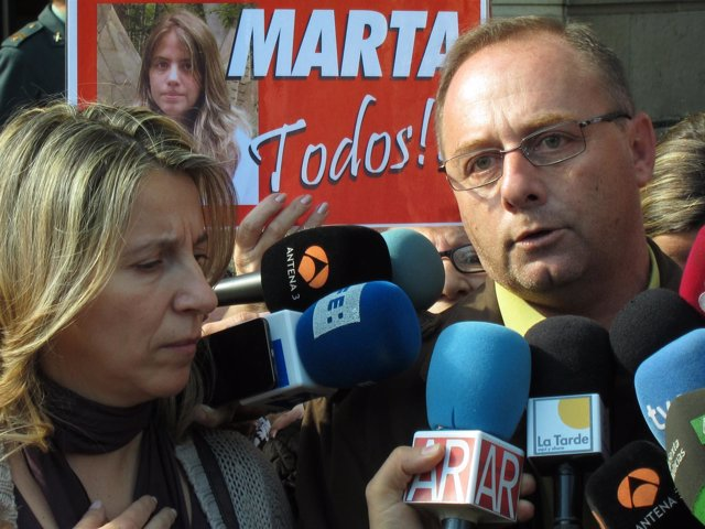 Los Padres De La Joven Sevillana Marta Del Castillo