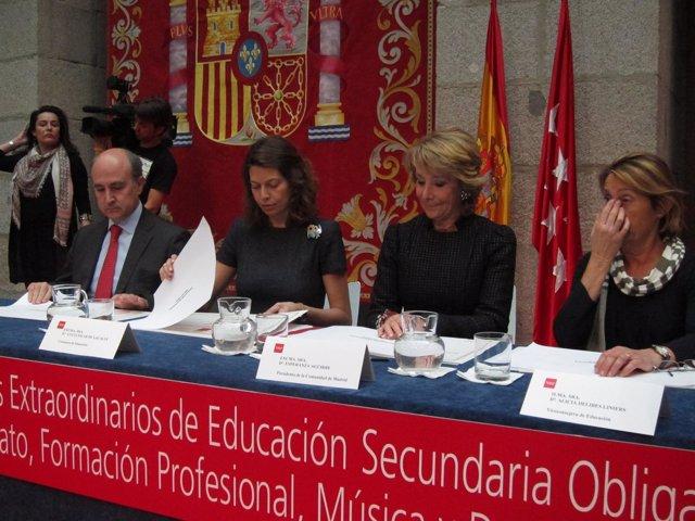 Esperanza Aguirre Entrega Los Premios Extraordinarios De Educación Secundaria