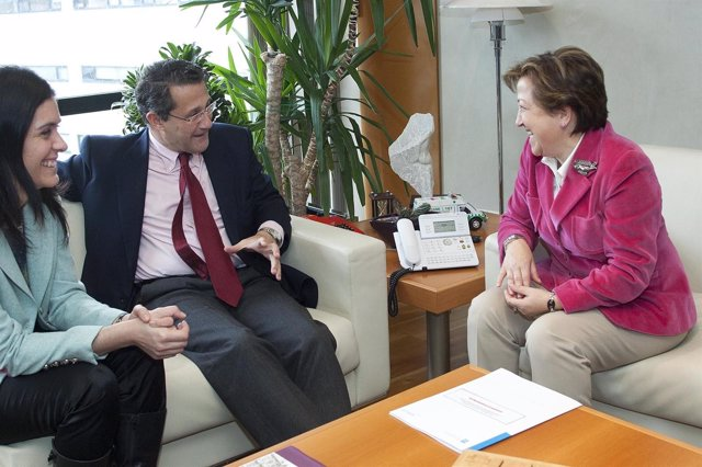 Reunión de la conselleira de Sanidade y el alcalde de Santiago
