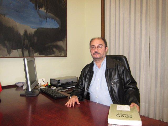 El Secretario General Del PSOE-Zaragoza, Javier Lambán, En Su Despacho En La DPZ