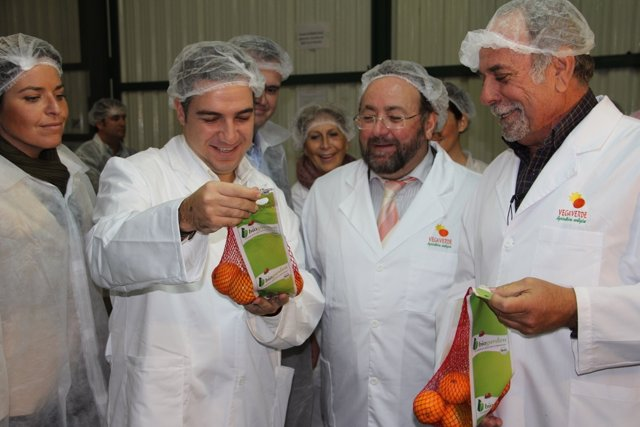 Elías Bendodo Y Joaquín Villanova Visitan La Finca La Vega Verde