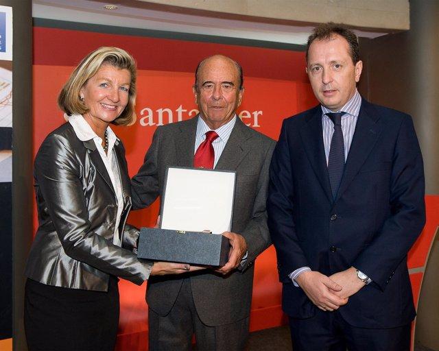Entrega Del 'Premio Shareholder-Friendly' A Emilio Botín