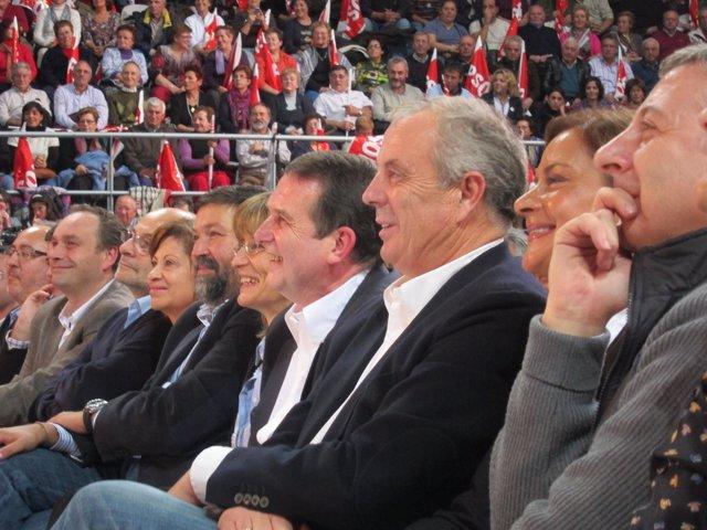 Pachi Vázquez en un mitin en Vigo.