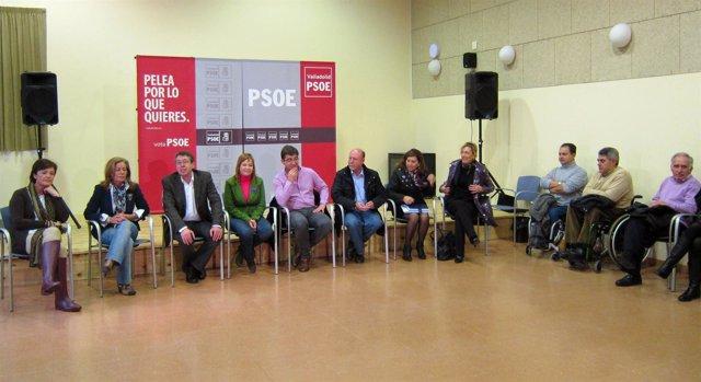 Pajín Participa En Una Reunión Con Colectivos Que Trabajan En La Discapacidad