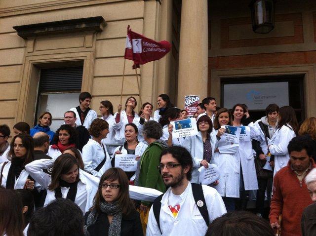 Huelga De Médicos En El Hospital Vall D'hebron De Barcelona