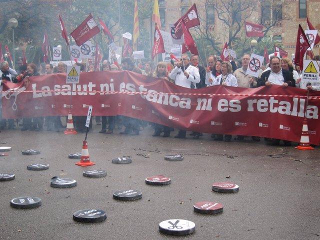 Protesta De Metges De Catalunya Ante La Conselleria De Salud