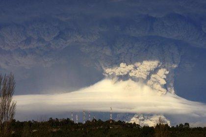 Nueve vuelos cancelados en Uruguay por las cenizas del Puyehue