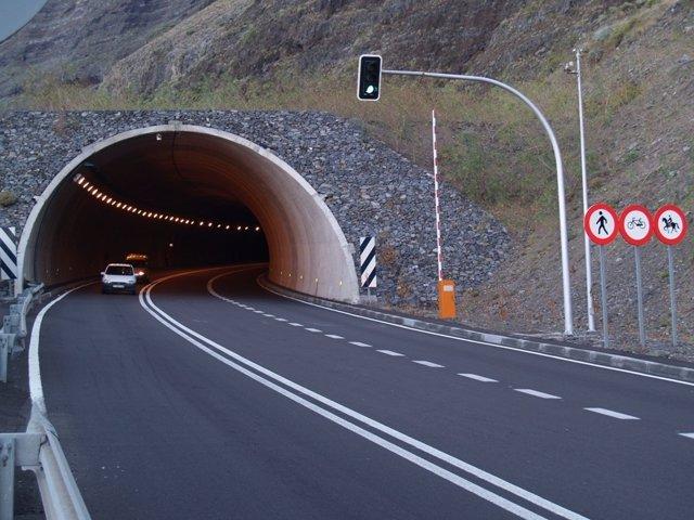 Túnel De Los Roquillos En La Isla De El Hierro