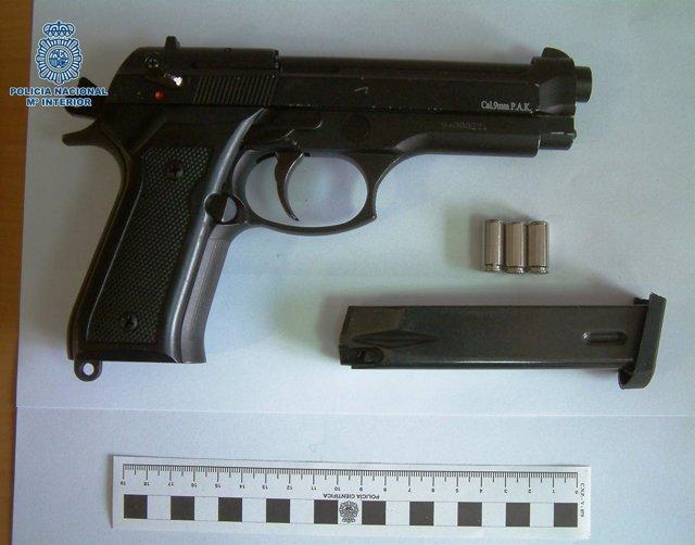 Pistola Intervenida Usada En Atracos De Comercios
