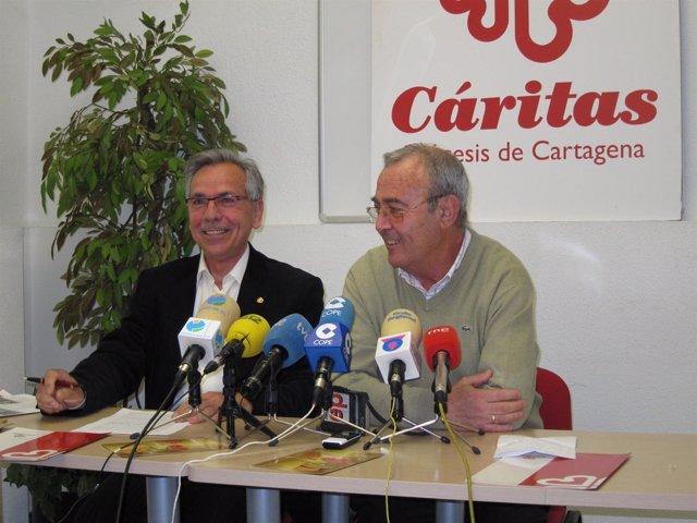 El secretario general de Cáritas, Antonio Sánchez y el director José Luis Leante