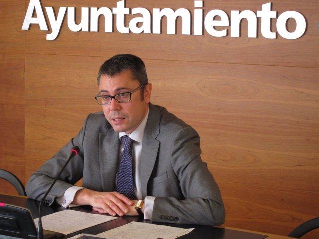 El Concejal De Desarrollo Urbano, Pedro Sáez Rojo