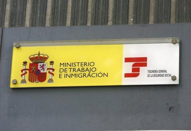 Ministerio De Trabajo E Inmigración.
