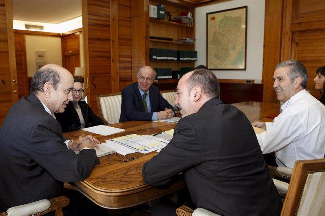 Reunión Entre El Consejero De Obras Públicas Y El Alcalde De Fraga
