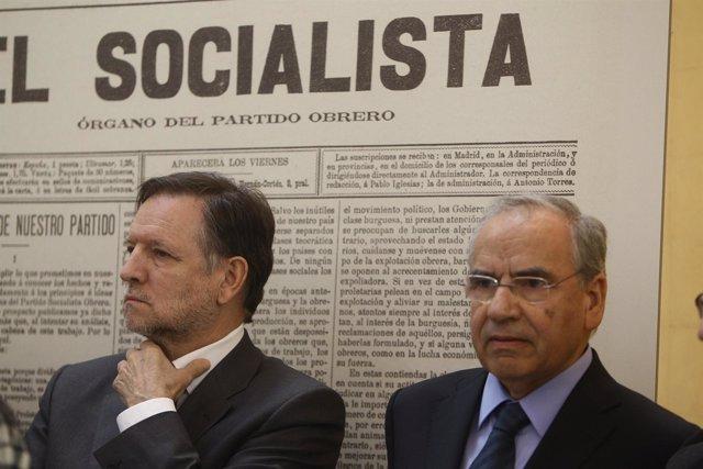 Alfonso Guerra Y Marcelino Iglesias
