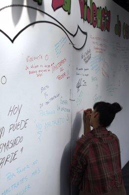 Mural De Grafitis Contra La Violencia De Género En Torrent (Valencia).