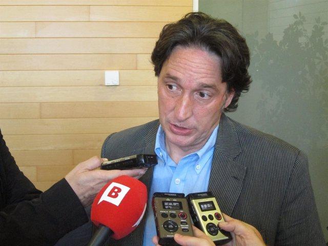 Jordi Portabella (ERC), Atendiendo A Los Medios.
