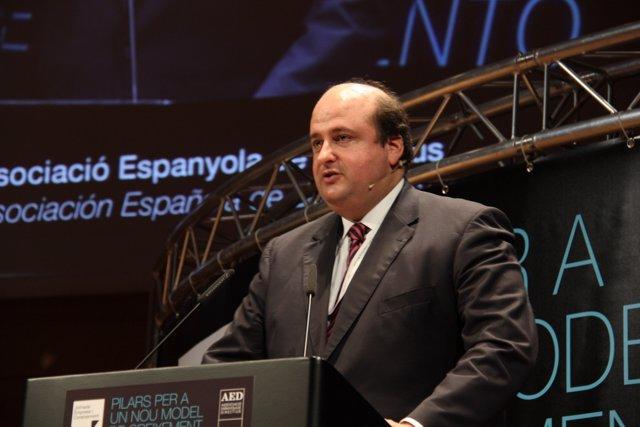 El Presidente De La Asociación Española De Directivos , Pau Herrera