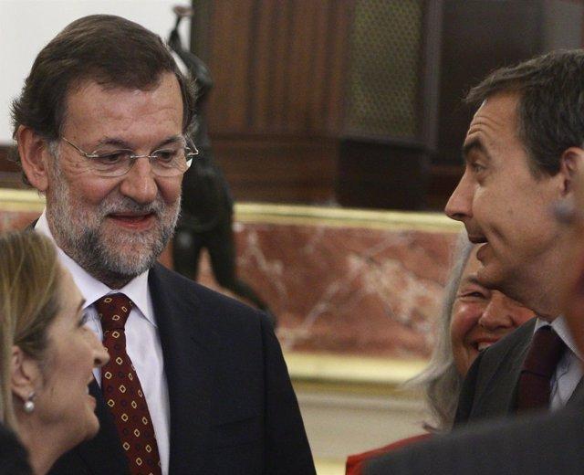 Rajoy Y Zapatero, Charlando En El Acto De Homenaje A Suárez Y Azaña