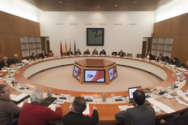 Pleno En El Edificio Seminario De Zaragoza