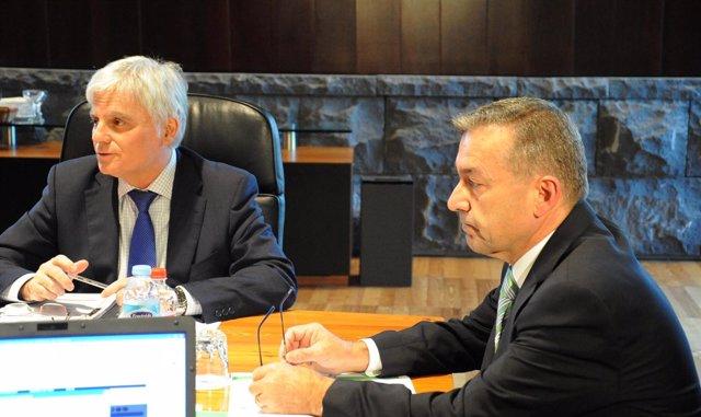 José  Miguel Pérez Y Paulino Rivero En Consejo De Gobierno