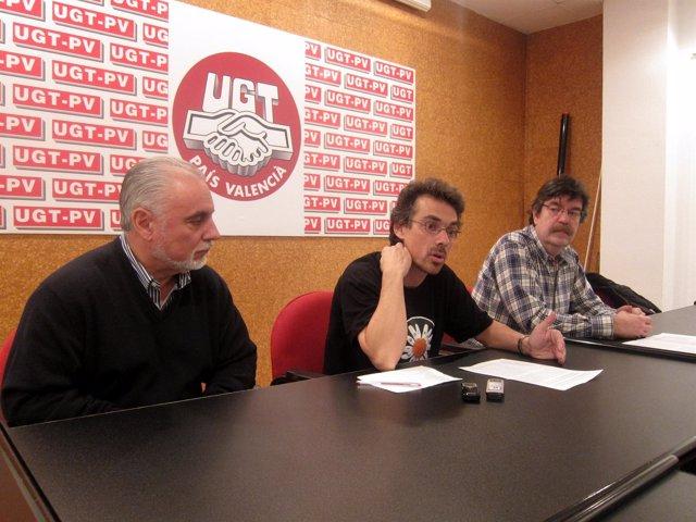 El Investigador Rafael Pulido Con Miembros Del Sindicato UGT