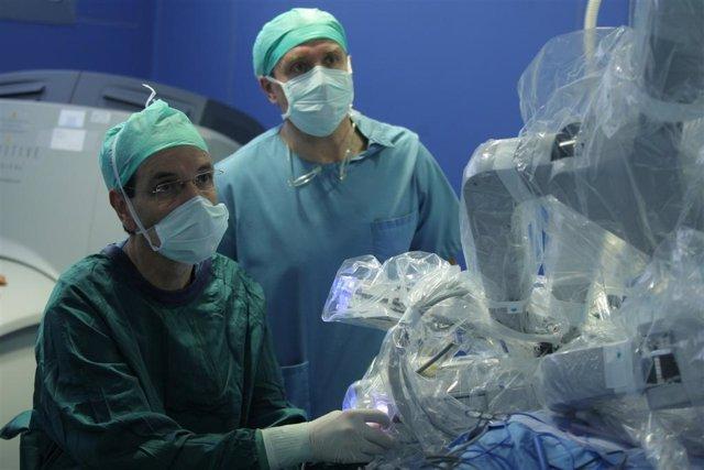 Cirugía Robótica De Tiroides En La CUN.