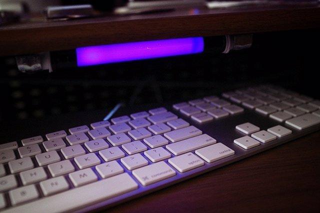 Recurso Teclado Con Luz Por Bacteriano CC Flickr