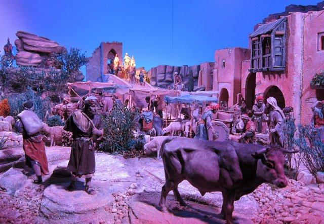 Fotos De Belenes En Espana.Unas 600 Figuras Recrean Los Belenes De La Exposicion De Caja Espana Duero En Salamanca