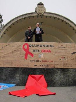 Ceniceros Y Pinilla En El Día Mundial Del Sida