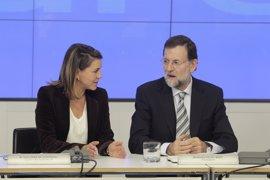 AMPL.-Rajoy creará un grupo de reflexión para reformar la prestación de servicios básicos y evitar duplicidades