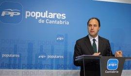 Diego manifiesta el compromiso de Cantabria con la reducción del déficit y la reordenación administrativa