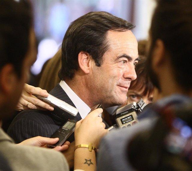 José Bono, Haciendo Declaraciones En El Congreso