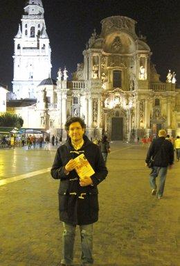 El Escritor Emilio Calderón