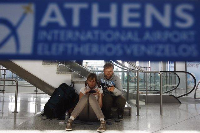 Huelga De Controladores Aéreos En El Aeropuerto De Atenas