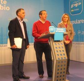"""PP-A lamenta que siga la """"sangría"""" del empleo mientras Griñán está más volcado en las tareas internas del PSOE-A"""