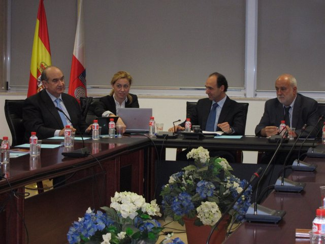 Ignacio Diego Y Cristina Mazas Se Reúnen Con El CES
