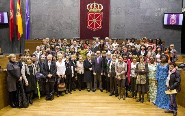 Pleno Del Parlamento Dedicado A Mujeres.