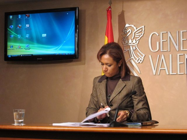 Lola Johnson Tras El Pleno Del Consell