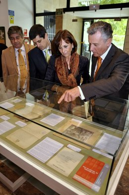 Plata Presenta Una Exposición Sobre La Historia De Las Maestras En Siglo XX