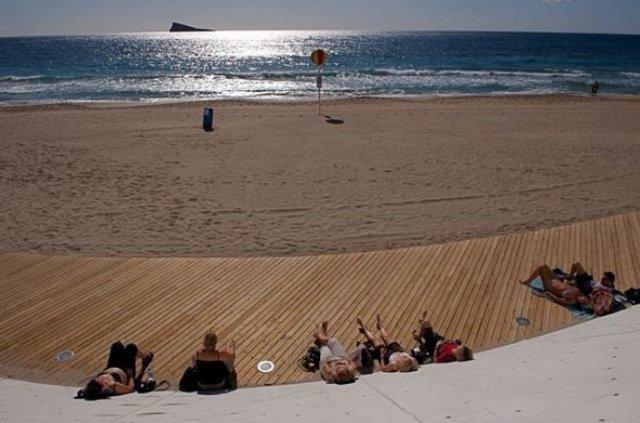 Imagen De Una Playa De Benidorm En Invierno