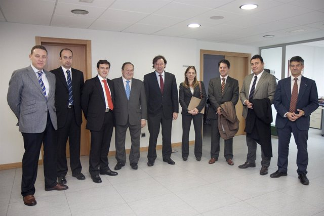 Reunión Gobierno Y Constructores