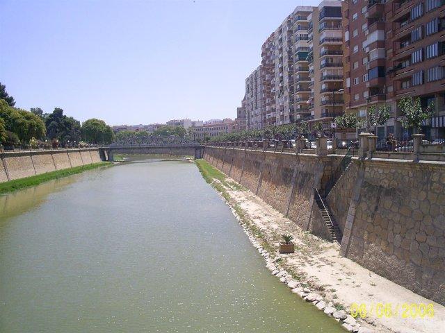 Río Segura A Su Paso Por La Ciudad De Murcia