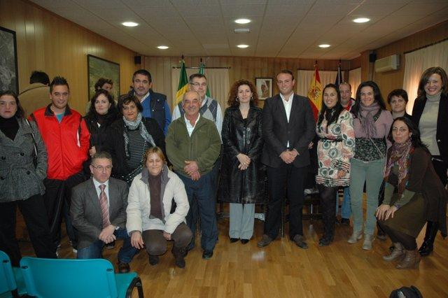 María Amador Y Álvaro Lara, Se Reúnen Con Empresarios De El Ronquillo.