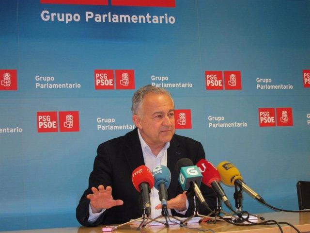 José Luis Méndez Romeu en una rueda de prensa