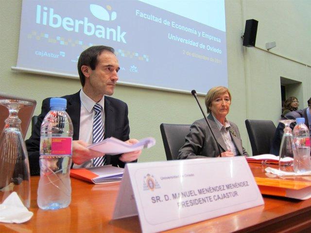 Manuel Menéndez, Junto A La Vicerrectora Paz Suárez, Antes De La Conferencia.