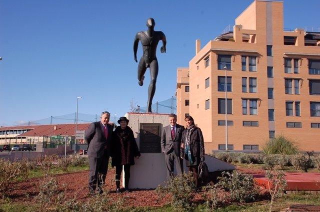Escultura Al DEPORTISTA