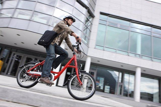 Apoyo De Hertz A Las Bicicletas Eléctricas