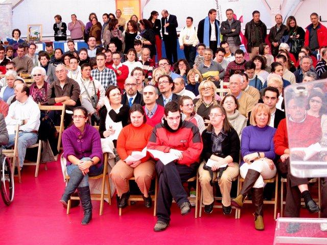 Asistentes Al Acto Central Del Día De La Discapacidad En La Cúpula Del Milenio