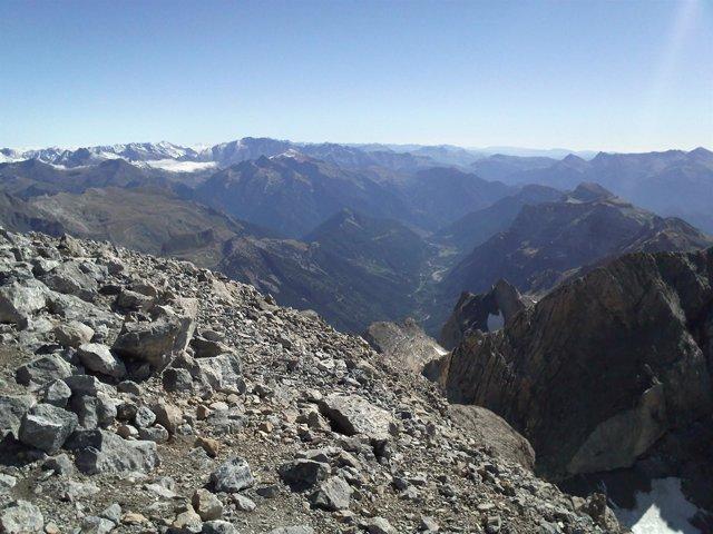 Valle De Pineta Desde La Cima De Monte Perdido (Huesca)