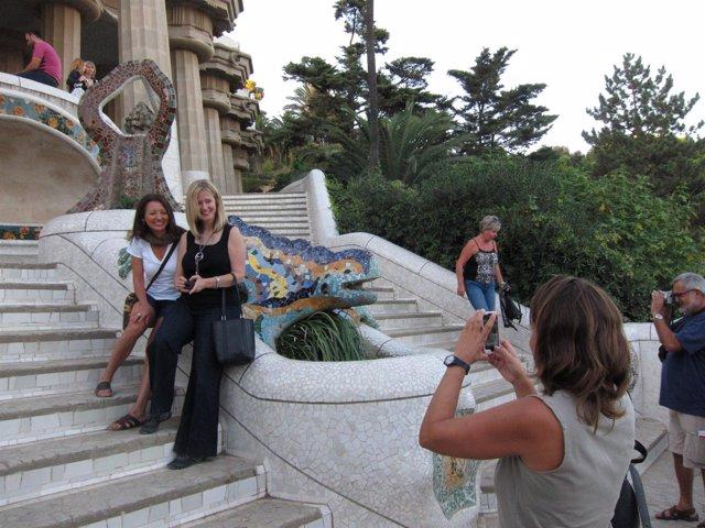 Turistas En El Parque Güell